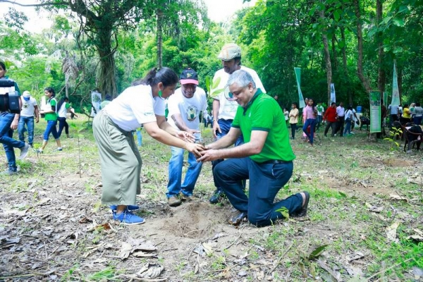 """Eco Thrift"" The Tree Planting Project of Asian Grammar School"